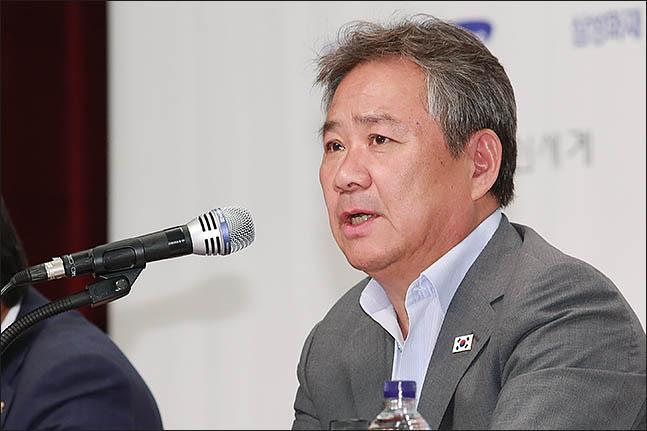 대한체육회(회장 이기흥)는 2020 도쿄하계올림픽대회를 앞두고 8월 20일(화)부터 22일(목)까지 일본 도쿄에서 열린 선수단장 회의에 참가해 후쿠시마 인근 지역 경기장 및 선수식당 식자재의 방사능 안전성 문제 등에 대해 대회조직위원회에 강한 우려를 표시하고 해결 방안을 요구했다. ⓒ 데일리안 류영주 기자