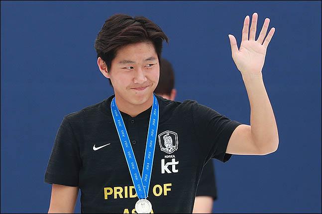 아직 A매치 데뷔전을 치르지는 못했지만 이강인은 자신의 연령대에서는 최고 선수임을 입증하며 벤투 감독에게 확실한 어필을 했다. ⓒ 데일리안 류영주 기자