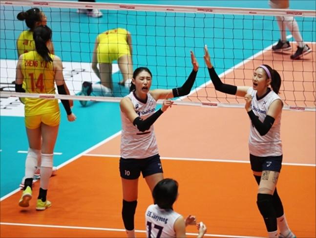 김연경이 이끈 한국 여자배구대표팀이 중국을 완파하고 동메달을 획득했다. ⓒ 연합뉴스
