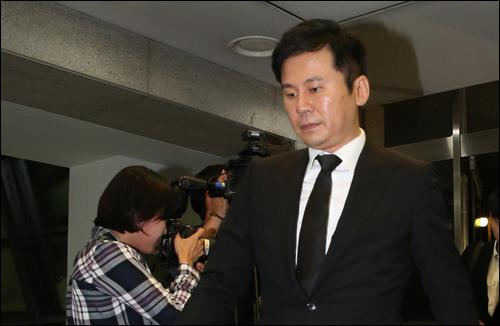 양현석 전 YG엔터테인먼트 대표가 경찰 조사를 마치고 30일 오전 귀가했다.(자료사진) ⓒ 연합뉴스