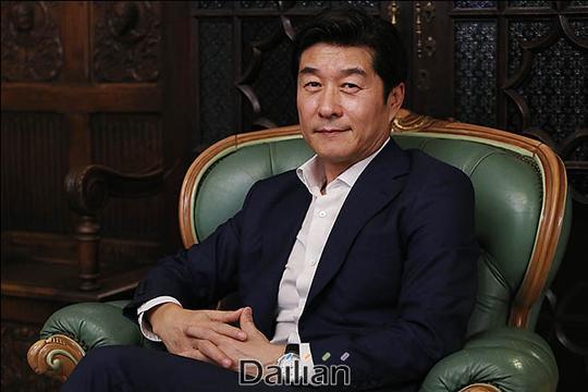 5일 오후 서울 종로구 삼청동의 한 카페에서 배우 김상중이 영화
