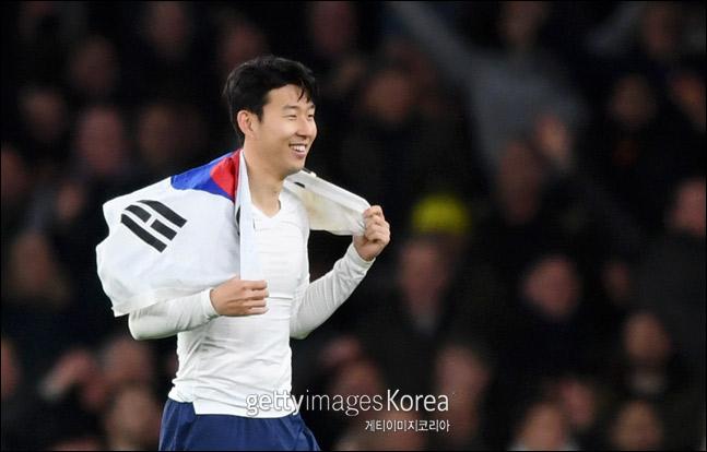 손흥민(토트넘)이 아시아 선수로는 최초로 국제축구선수협회(FIFPro)가 선정하는 월드 베스트11 후보에 올랐다. ⓒ 게티이미지