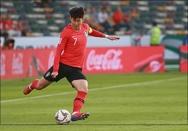 A대표팀에서 손흥민은 너무 많은 임무를 부여받는다. ⓒ 데일리안 류영주 기자
