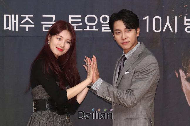 배우 배수지, 이승기가 16일 오후 서울 양천구 SBS 목동사옥에서 열린 드라마