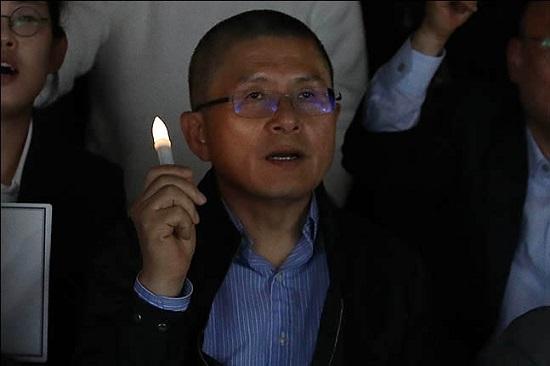 황교안 자유한국당 대표가 19일 오후 서울 종로구 세종문화회관 계단에서 열린