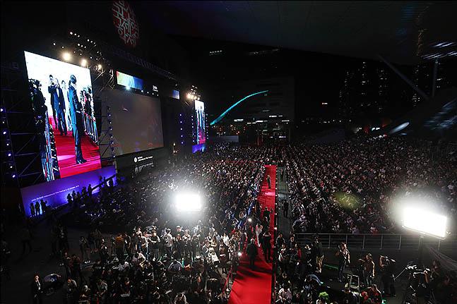 3일 오후 부산 해운대구 영화의 전당에서제 24회 부산국제영화제 개막식이 열리고 있다. ⓒ데일리안 류영주 기자