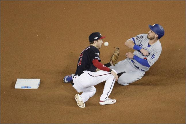 LA 다저스는 워싱턴과의 디비전시리즈 4차전서 1-6으로 패하며 상대 전적에서 2승 2패로 동률을 이뤘다. ⓒ 뉴시스