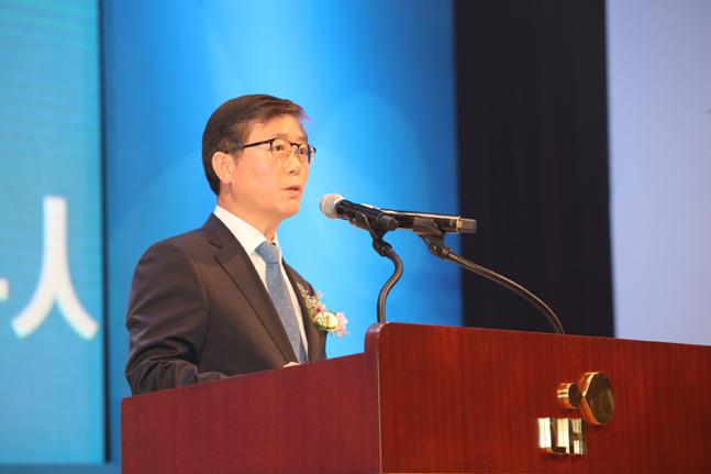 변창흠 LH 사장이 창립 10주년 기념식에서 인사말을 하고 있다.ⓒLH