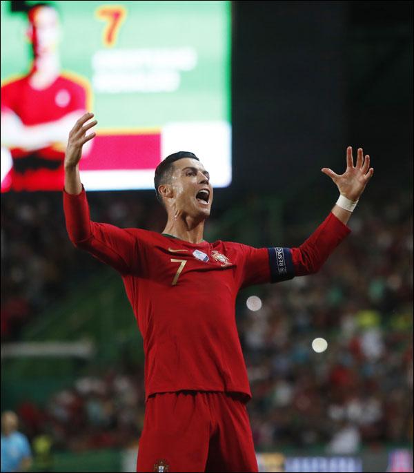 호날두(유벤투스)가 포르투갈 유니폼을 입고 득점포를 가동했다. ⓒ 뉴시스