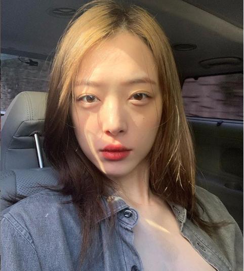 그룹 에프엑스 출신 가수 겸 배우 설리가 14일 숨졌다. ⓒ 설리 인스타그램