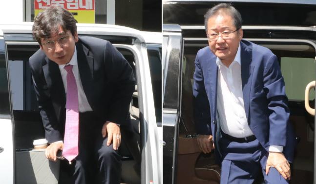 홍준표 자유한국당 전 대표(사진 오른쪽)와 유시민 노무현재단 이사장이 22일 오후 MBC TV를 통해 생중계된
