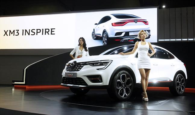 르노삼성자동차가 3월 28일 서울모터쇼 프레스데이에서 XM3 인스파이어를 공개하고 있다. ⓒ데일리안 홍금표 기자