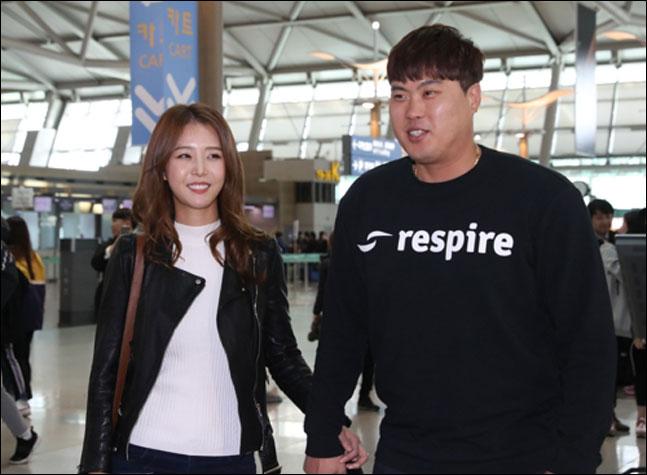 성공적인 시즌을 보낸 '코리안 몬스터' 류현진이 오는 14일 귀국한다. ⓒ 연합뉴스