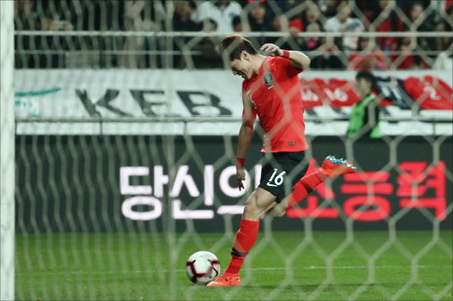 황의조가 리그 경기에 선발로 나서 활약했다.(자료사진) ⓒ 데일리안 홍금표 기자