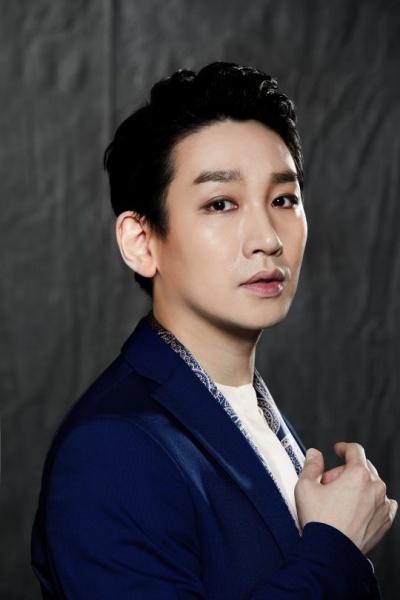 배우 김호영이 동성 성추행 혐의로 피소됐다. ⓒ PLK엔터테인먼트