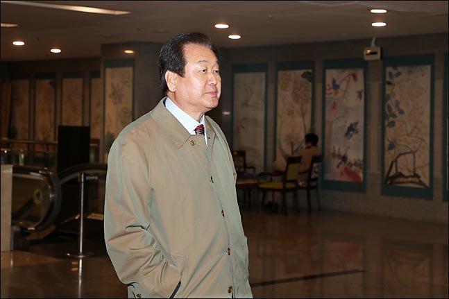 김무성 자유한국당 의원이 14일 서울 여의도의 한식당에서 열린 영남권 중진의원들과 황교안 대표와의 오찬 간담회에 참석하고 있다. ⓒ데일리안 박항구 기자