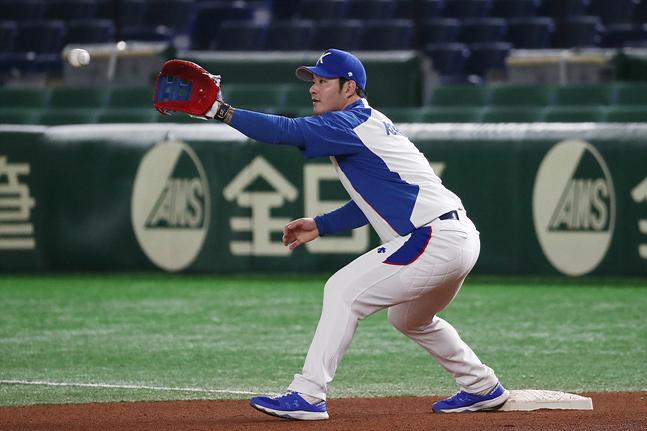 14일 오전 일본 도쿄돔에서 진행된 2019 WBSC 프리미어12 슈퍼라운드 공식 훈련에서 한국 야구대표팀 박병호가 훈련을 하고 있다. ⓒ데일리안 홍금표 기자