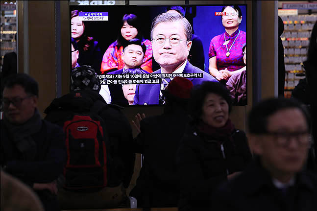 문재인 정부 청와대가 혹독한 집권 3년차를 보내고 있다. 청와대 주변에서 불거진 권력형 비리 의혹이 커지면서