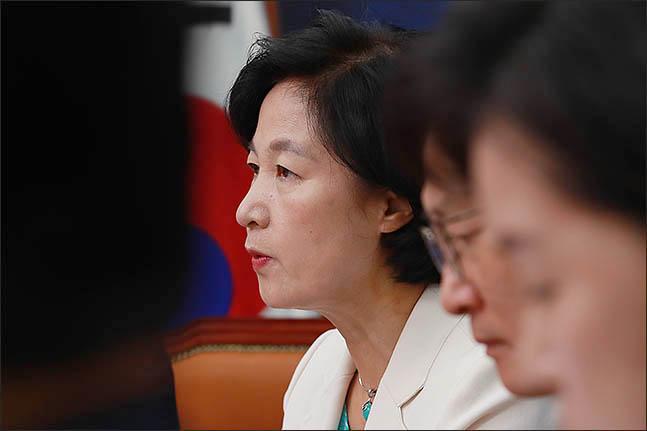 추미애 더불어민주당 전 대표가 최고위원회의를 주재하던 모습. ⓒ데일리안 류영주 기자