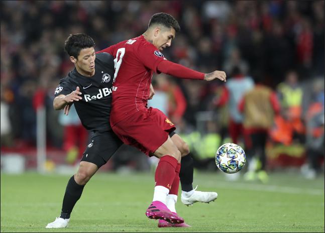 황희찬이 리버풀을 상대로 고군분투했지만 끝내 골문을 열지 못했다. ⓒ 뉴시스