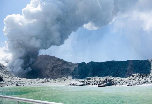 뉴질랜드 화이트섬 화산 분출 현장. ⓒ뉴시스