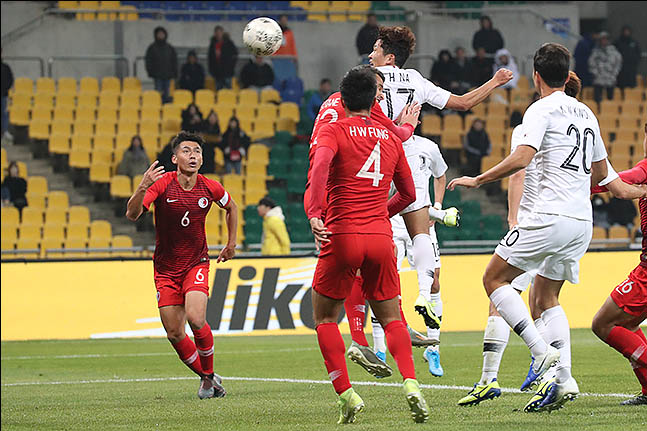 11일 오후 부산 연제구 부산아시아드주경기장에서 열린 2019 EAFF E-1 챔피언십(동아시안컵) 대한민국 대 홍콩 경기에 나상호가 헤더골을 넣고 있다. ⓒ데일리안 류영주 기자