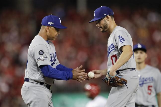 타자 유형에 따라 한 명만 상대하고 내려가는 원포인트 릴리프를 MLB에서는 더 이상 볼 수 없게 됐다. ⓒ 뉴시스