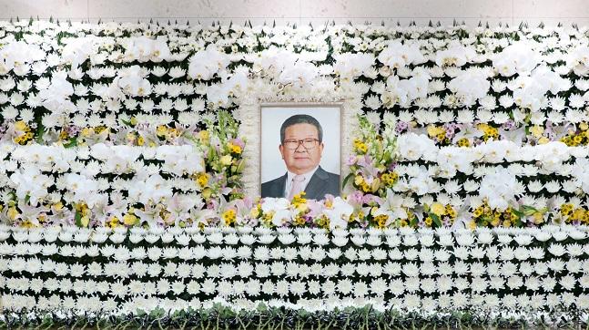 서울의 한 병원 장례식장에 마련된 구자경 LG그룹 명예회장의 빈소.ⓒLG