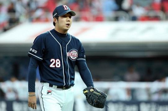 지난 9월 무릎 수술로 시즌 아웃된 두산 장원준 ⓒ 두산 베어스