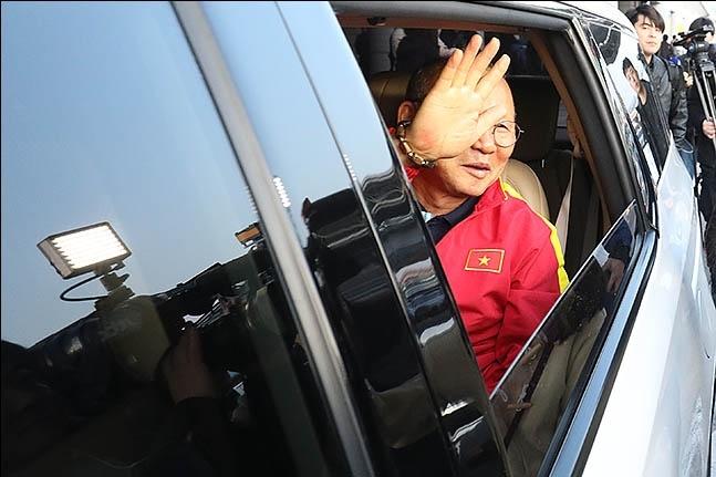 신태용 감독은 한국 축구인으로서 박항서 감독이 개척한 길을 더 넓혀 나가야 하는 무거운 사명도 안게 됐다.  ⓒ 데일리안 류영주 기자