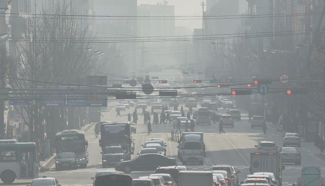 일요일인 12일에는 중부지방의 미세먼지 농도가
