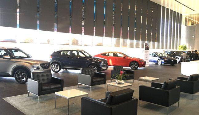 미국 캘리포니아주 파운틴밸리에 위치한 현대자동차 미국판매법인(HMA) 본사 로비에 전시된 미국 판매용 자동차들. ⓒ데일리안 박영국 기자
