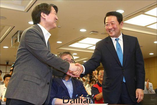 박주선 바른미래당 의원과 안철수 전 대표(자료사진). ⓒ데일리안 홍금표 기자