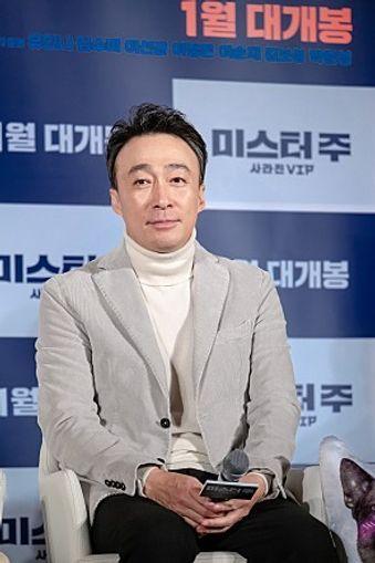 배우 이성민은 영화 영화