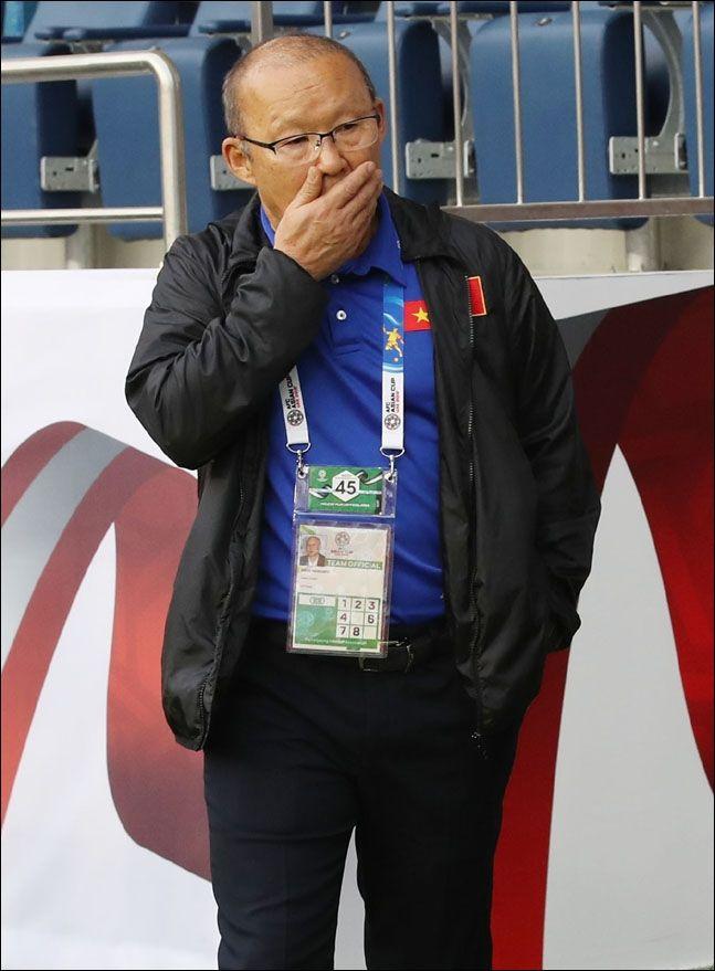 박항서 감독이 이끄는 베트남이 골 결정력에 치명적인 약점을 드러내며 조별리그 탈락 위기에 놓였다. ⓒ 뉴시스