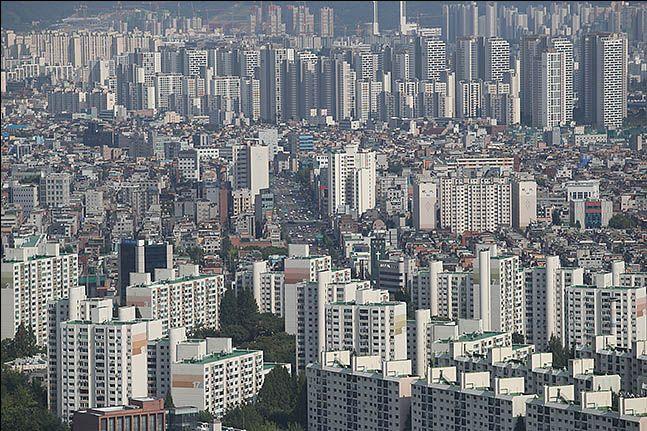 서울 도심 한 가운데 위치한 아파트 단지 전경ⓒ데일리안 류영주 기자