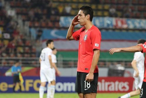 오세훈이 15일 오후(현지시각) 태국 랑싯 탐마삿 스타디움에서 열린 2020 아시아축구연맹(AFC) U-23 챔피언십 한국과 우즈베키스탄의 조별리그 최종전서 골을 넣고 세리머니를 하고 있다. ⓒ 연합뉴스