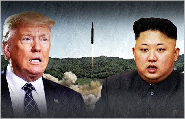 미국 국무부는 17일(현지시간) 한국 정부의 남북협력 사업 추진 구상과 관련해 남북협력을 지지한다면서도 이는 비핵화의 진전 과정과 보조를 맞춰 진행돼야 한다고 밝혔다. 사진은 도널드 트럼프 미국 대통령(왼쪽)과 김정은 북한 국무위원장.(자료사진) ⓒ데일리안