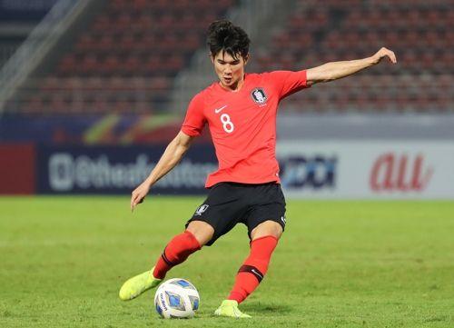 김진규가 19일 오후(현지시각) 태국 랑싯 탐마삿 스타디움에서 열린 2020 아시아축구연맹(AFC) U-23 챔피언십 한국과 요르단의 8강전서 프리킥을 하고 있다. ⓒ 연합뉴스