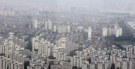 300가구 미만의 서울지역 소규모 재건축 사업지들이 잇따라 유찰되고 있다. 서울 아파트 전경.(자료사진) ⓒ연합뉴스