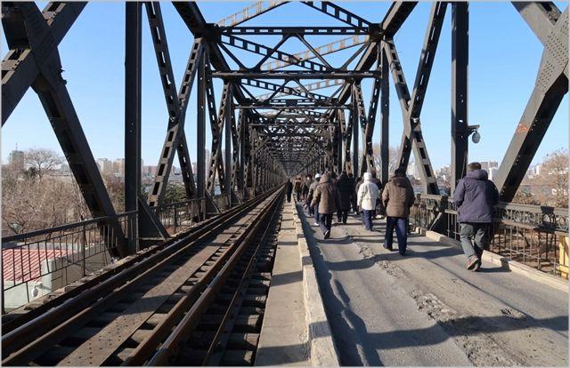 남북 철도 공동조사단이 재작년 북한 신의주-단둥 국경지역의