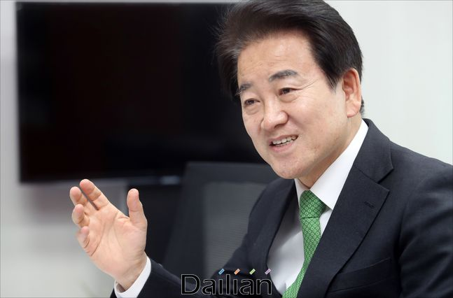 정동영 민주평화당 대표가 설 연휴 전 국회 의원회관에서 본지와 인터뷰를 진행하고 있다. ⓒ데일리안 박항구 기자