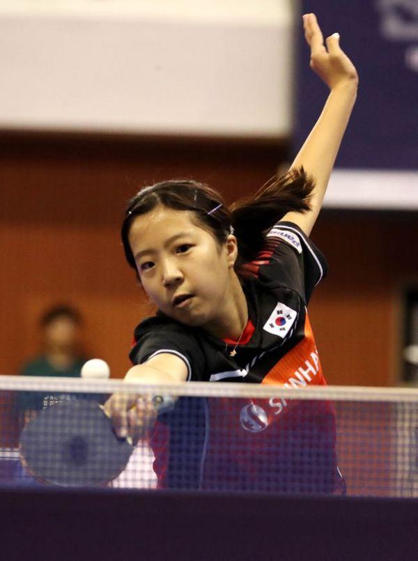 국제탁구연맹(ITTF) 도쿄올림픽 세계 단체예선전 2라운드 토너먼트 패자부활 결승전에서 맹활약을 펼친 신유빈. ⓒ 뉴시스