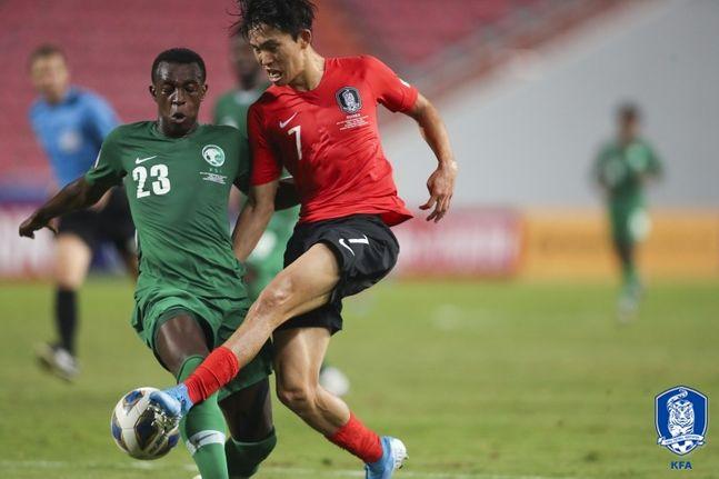 정우영은 2차례 찾아온 득점 기회서 결정을 짓지 못하고 아쉬움을 남겼다. ⓒ 대한축구협회