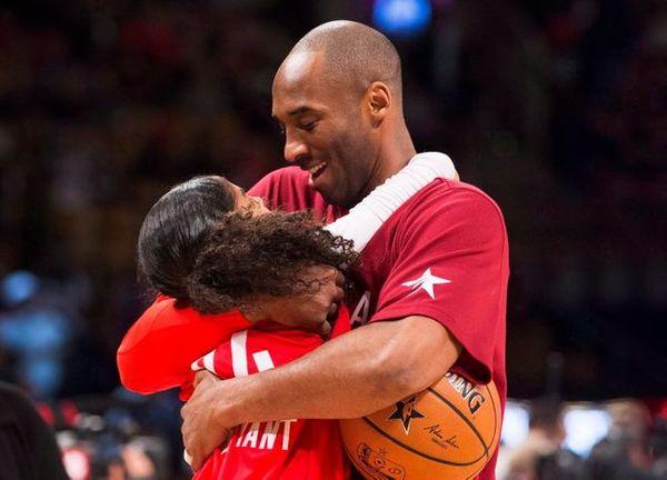 딸 지아나와 함께 헬기를 타고 이동하다 사망한 NBA 전설 코비 브라이언트. ⓒ 뉴시스