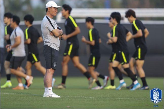 김학범 감독은 매 경기 파격적인 선발 라인업을 들고 나오며 상대를 혼란스럽게 했다. ⓒ 대한축구협회