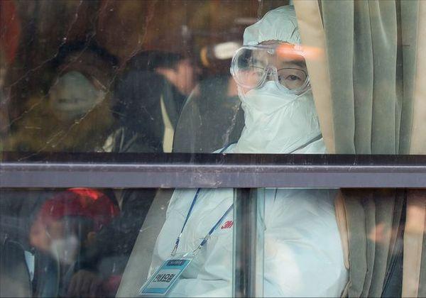 지난달 31일 오전 서울 강서구 김포공항에서 이송버스에 탑승한 우한 교민들이 임시 격리시설이 위치한 아산과 진천으로 향하고 있다.(자료사진) ⓒ데일리안 홍금표 기자