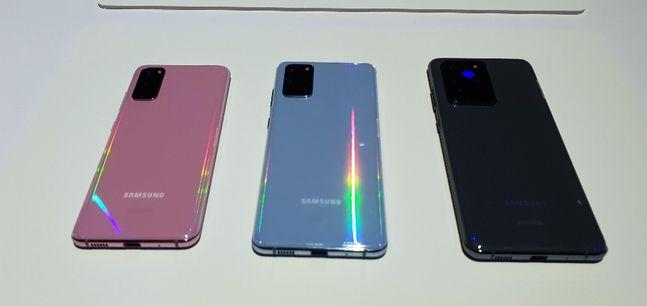 삼성전자 상반기 플래그십 스마트폰 '갤럭시S20' 시리즈. 왼쪽부터 갤럭시S20, 갤럭시S20 플러스, 갤럭시S20 울트라.ⓒ데일리안 김은경 기자