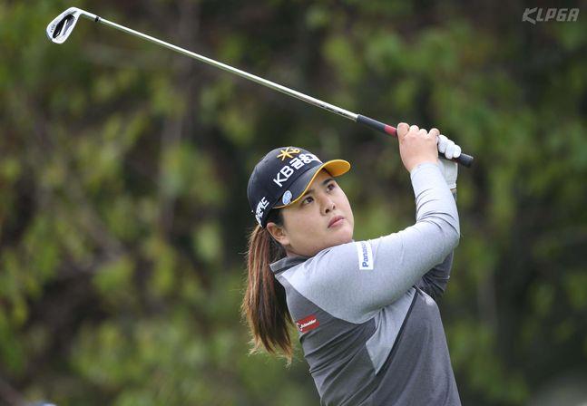 박인비가 미국여자프로골프(LPGA) 투어 ISPS 한다 호주여자오픈 둘째 날 공동 선두에 올랐다.(자료사진) ⓒ KLPGA
