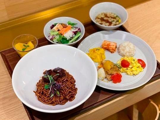 CJ프레시웨이 구내식당 메뉴로 나온 '짜파구리'ⓒCJ프레시웨이